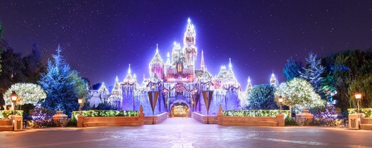 holiday-time-at-disneyland-00-full